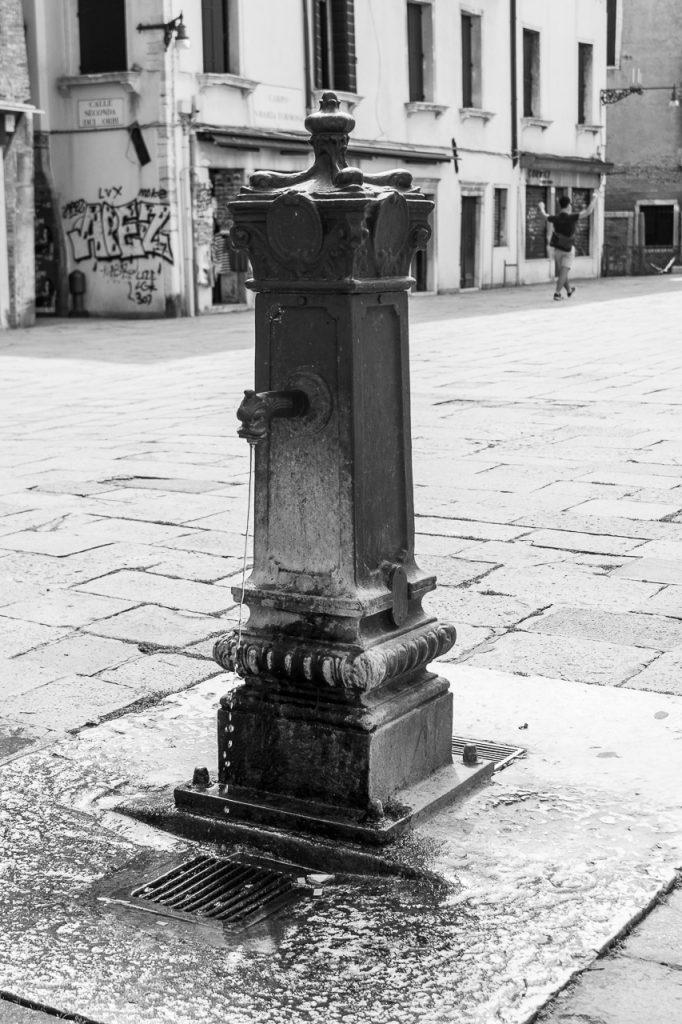 A Mantova Nasoni, a Roma vedovelle